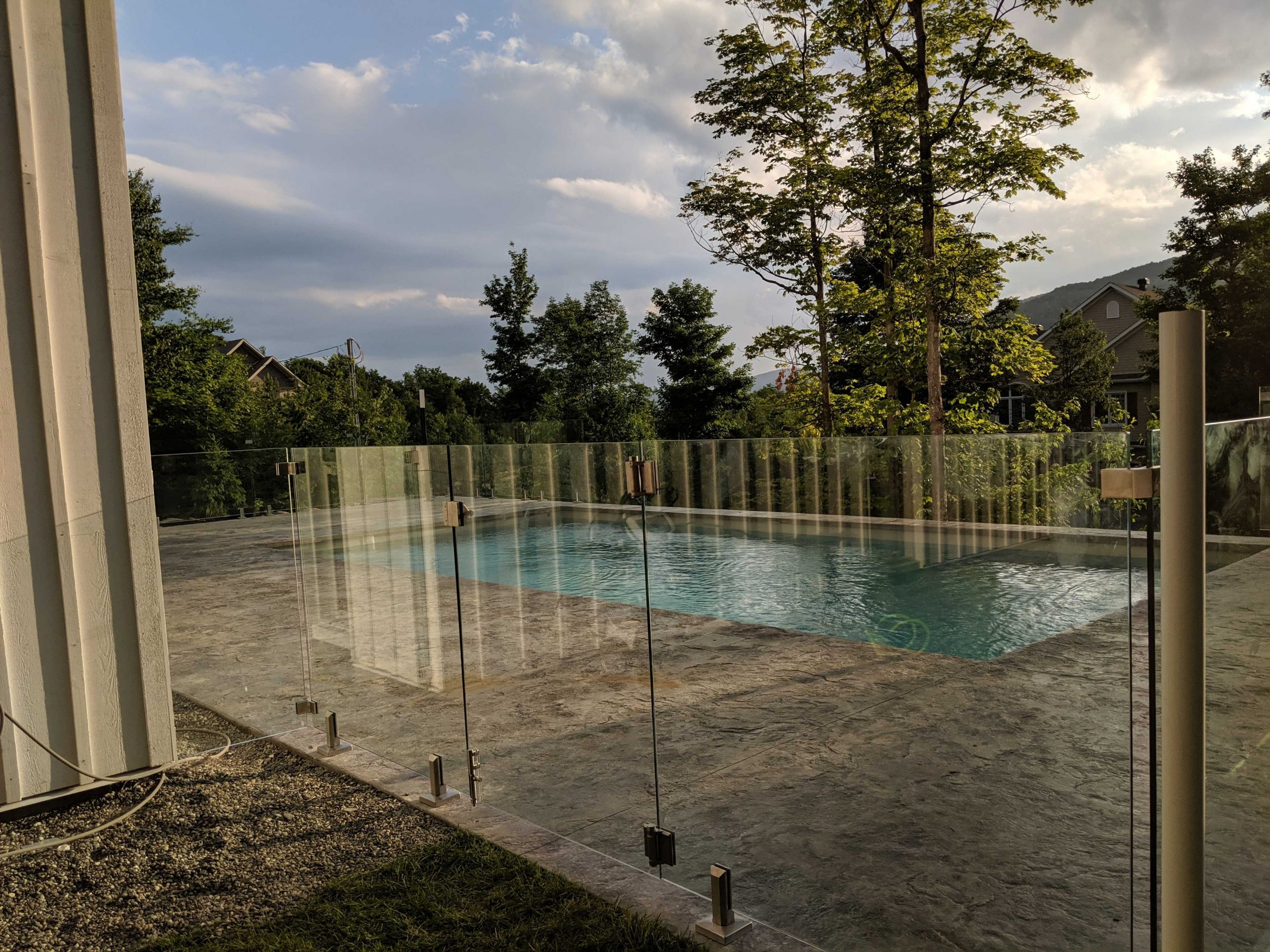 frameless glass fence